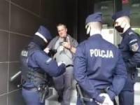 Policja jawnie nadużywa swoich uprawnień? Naraża obywatela na zarażenie się Koronawirusem?