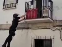 Hiszpańska policja w akcji