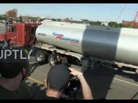 Protestujący w USA dokonują oblężenia cysterny