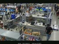 Dziki szał zakupowy w Walmart w USA