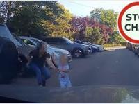 Ku przestrodze - dziecko wybiega prosto pod samochód a mama