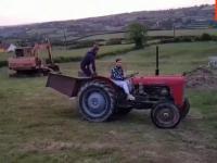 I daj tu babie na chwilę prowadzić traktor