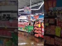 Zwrócili dziewczynie uwagę w sklepie aby założyła maskę