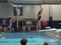 Skok do wody na deskę