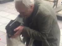 Mężczyzna odnalazł swojego psa po 3 latach rozłąki