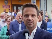 TVPiS zadaje pytanie, czy Trzaskowski płaci statystom na wiecach
