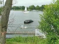 Porsche tonie w jeziorze Jeziorak w Iławie