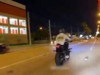 Mała zdrapka dwójki motocyklistów