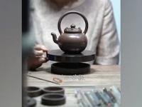 Jak powstają czajniki z glinki