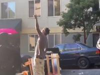 "Seattle: Czarnoskóry facet krzyczy do antifiarzy ""All lives matter"""