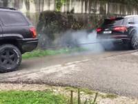 Siłowanie na linę samochodami
