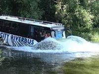 W Hamburgu kursuje autobus-amfibia - Hafencity Riverbus