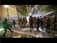 Wojna Domowa w USA - ANTIFA vs Feds SWAT - Pożar sądu w Portland - Zamieszki blm