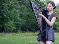 """""""The Sound of Silence"""" w wykonaniu popularnej harfistki"""