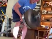 Trening 70-cio latka, czyli Arnold wciąż daje radę
