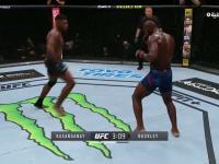 Niesamowity nokaut podczas gali UFC, rywal zasnął na stojąco!