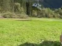 Kiedy ląduje śmigłowiec, trzeba być zawsze czujnym