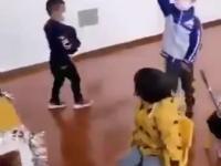 Japońskie dzieci uczą się jak korzystać z komunikacji publicznej