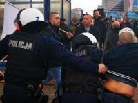 Protest w warszawie i walka z policją