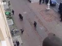 Białoruś: Dziewczyna ucieka przed łapanką