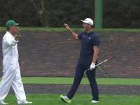 Jon Rahm i niesamowite uderzenie w golfie
