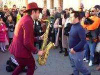 """""""L' Amour Toujours"""" zagrane na saksofonie na ulicy!"""