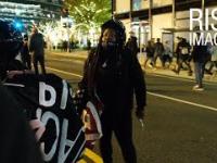 Aktywistka BLM z nożem szybko powstrzymany