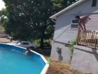 Nieudany skok do basenu