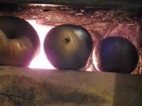 Jabłka pieczone w piecu - trzynasta potrawa wigilijna