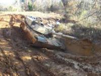 M1 Abrams utknął w błocie