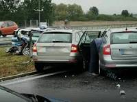 Wypadek pod Kutnem, Wśród zniszczonych aut policyjny radiowóz