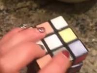 I jak tu ułożyć taką kostkę Rubika?
