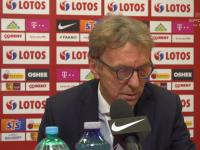 Alvin Wiewiórka z TVP zadaje Bonkowi pytanie na konferencji.