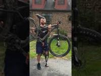 Rower z Aliexpress złamał mu kostkę