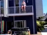 """Kobieta dużych rozmiarów skacze na """"trampolinę"""""""