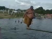 Gruby skok do wody