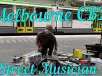 Utalentowany muzyk uliczny