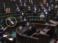 Janusz Korwin Mikke poszedł spać podczas przemowy Morawieckiego