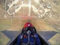F-16 wlatuje na 4,5 km w zaledwie 20 sekund