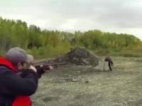 Jak NIE obchodzić się z bronią palną