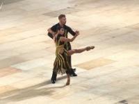 Zmiana sukienki w czasie tańca