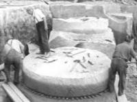 Jak dawniej produkowano ogromne, 3m koła szlifierskie
