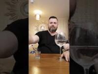 Różnica między wodą a polską wódką