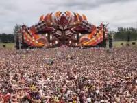 Festiwal poruszony tłum