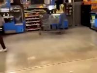 awantura w sklepie