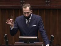 """Konrad Berkowicz z """"jointem"""" zakończył posiedzenie Sejmu"""