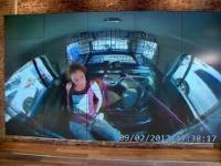 Aresztowana dziewczyna podejmuje próbę ucieczki