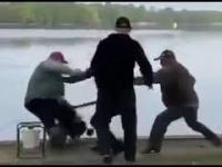 Seba kontra Janusz - na rybach