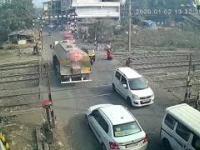 Przejazd kolejowy w Indiach