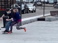 Karen VS Skateboarder. Czyli Pani, która ma jakiś dziwny problem